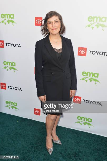 Mayim Bialik attends The 29th Annual Environmental Media Awards at Montage Beverly Hills on May 30 2019 in Beverly Hills California
