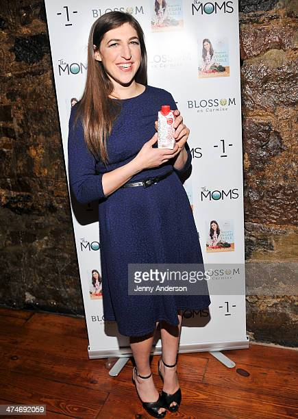 Mayim Bialik poses with Organic Gemini Guarana Engergy drink at Mamarazzi presents The Moms and Mayim Bialik at Blossom on Carmine on February 24...