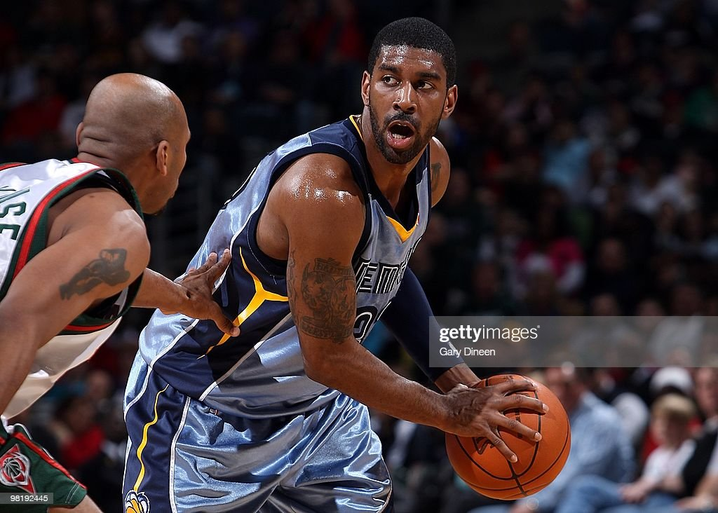 Memphis Grizzlies v Milwaukee Bucks