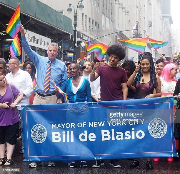 NYC Mayor Bill de Blasio Chirlane McCray Dante de Blasio and Chiara de Blasio during the 2015 New York City Pride Parade on June 28 2015 in New York...