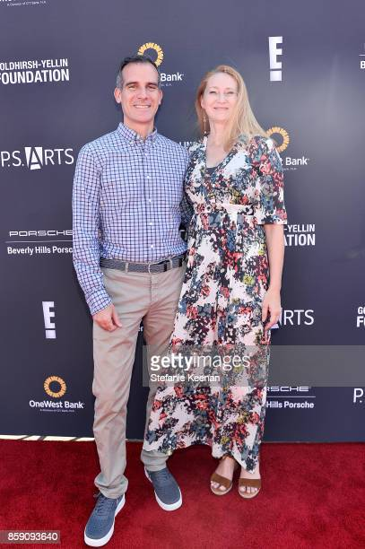 Mayor Eric Garcetti and Amy Wakeland at PS ARTS' Express Yourself 2017 at Barker Hangar on October 8 2017 in Santa Monica California