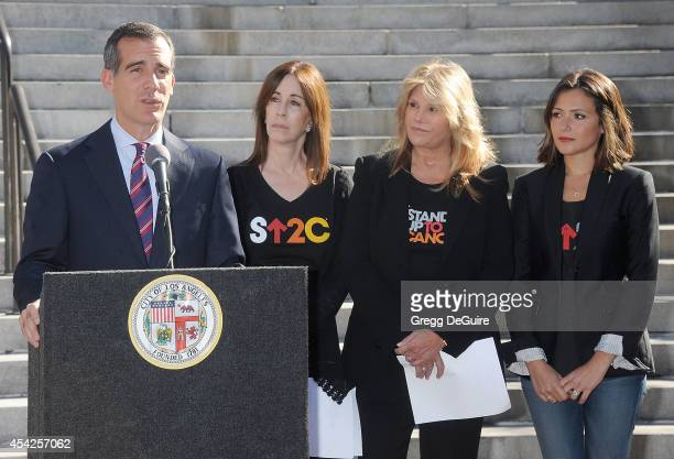Mayor Eric Garcetti Ellen Ziffren Lisa Paulsen and actress Italia Ricci attend the Stand Up To Cancer Press Conference at Los Angeles City Hall on...