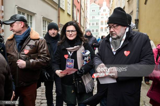 Mayor of Gdansk Aleksandra Dulkiewicz and Piotr Adamowicz attend the collection for The Great Orchestra of Christmas Charity in Gdansk The Grand...