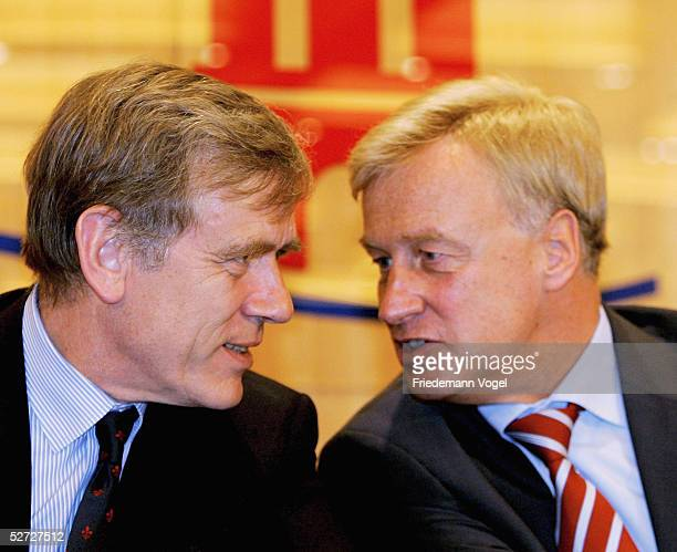 Mayor of Hamburg Ole von Beust chats with DTB President Georg von Waldenfels during the Tennis Masters Press Conference at the city hall on April 25...