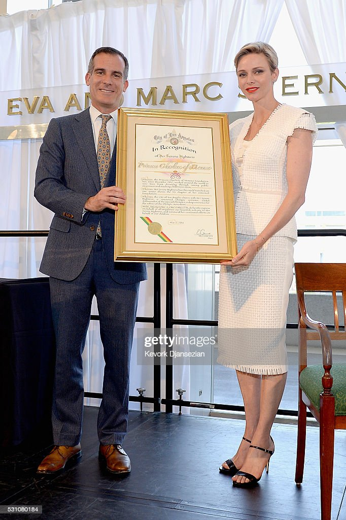 Mayor of Los Angeles Eric Garcetti (L) and Her Serene Highness Princess Charlene of Monaco attend the Blue Ribbon of the Los Angeles Music Center to honor Princess Charlene of Monaco at Grand Hall at the Dorothy Chandler Pavililon on May 12, 2016 in Los Angeles, California.