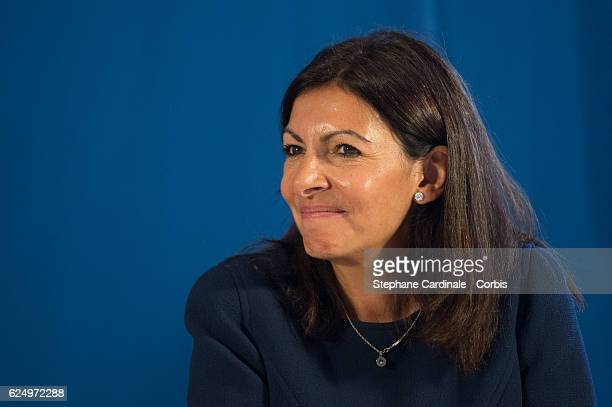 Mayor of Paris Anne Hidalgo attends the Press conference announcing a donation by artist Jeff Koons who offers the 'Bouquet of Tulips' to the City of...