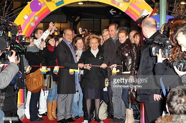 Mayor of Paris bertrand Delanoe Bernadette Chirac Actor Michel Leeb and Singer Lorie Launche The 'Pieces Jaunes' train Exibition at Gare du Nord on...