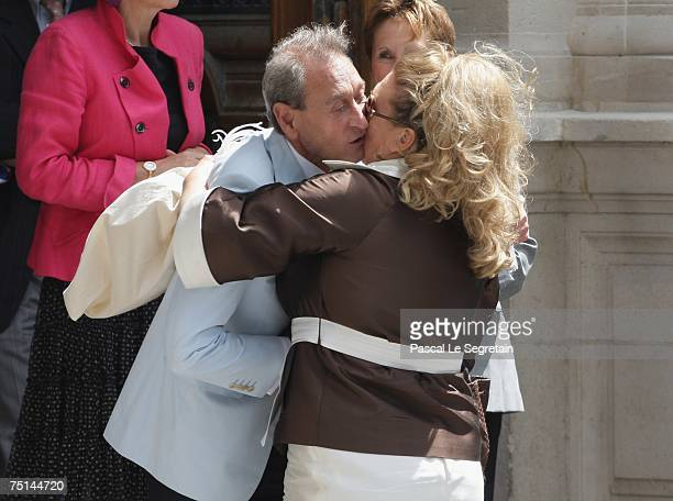 Mayor of Paris Bertrand Delanoe greets Tony Parker's mother Pamela Firestone before Eva Longoria and Tony Parker's wedding on July 6 2007 in Paris...