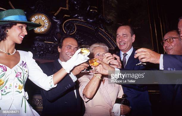 Mayor of Paris Jacques Chirac conducts marriage between Olivier Dassault and Carole daughter of Georges Tranchant Carole Tranchant Olivier Dassault...