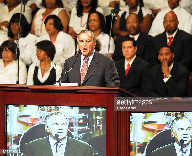 Mayor Richard J Daley of Chicago speaks at a memorial service for Bernie Mac at the The House of Hope Church on August 16 2008 in Chicago Illinois