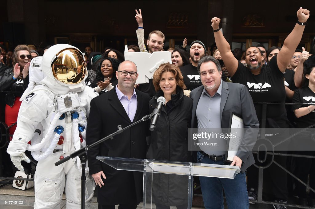 Mayor's Office of Media and Entertainment Commissioner Julie Menin today joined the iconic VMA Moon Person; Bruce Gillmer, Global Head of Music/Talent, Co-Brand Lead, MTV International; and Darren Pfeffer, Executive Vice President of MSG live, to announce the news with a street renaming and symbolic 'moon landing' on Manhattan's Avenue of the Americas, under the marquee of the famed venue. The 2018 'MTV VMAs' will air live on Monday, August 20 from Radio City Music Hall.