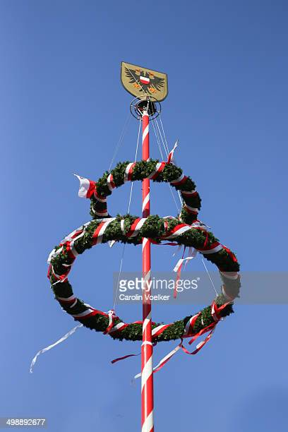 maypole in lübeck, germany - maypole stock pictures, royalty-free photos & images