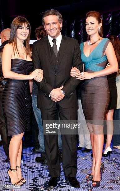 Mayrin Villanueva Arath de la Torre and Luz Elena Gonzalez pose for photographers during the presentation of the soap opera Una Familia Con Surte on...