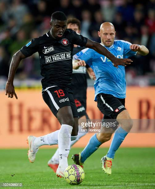 Mayron George of FC Midtjylland controls the ball during the Danish Superliga match between FC Midtjylland and Randers FC at MCH Arena on August 26...