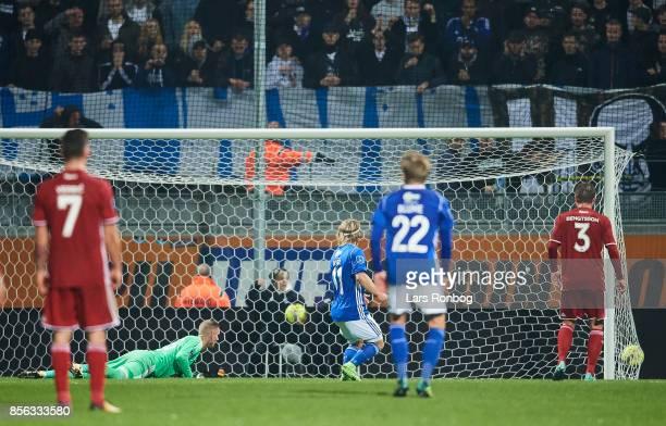 Mayron George of Lyngby BK scores the 31 goal against Goalkeeper Robin Olsen of FC Copenhagen during the Danish Alka Superliga match between Lyngby...