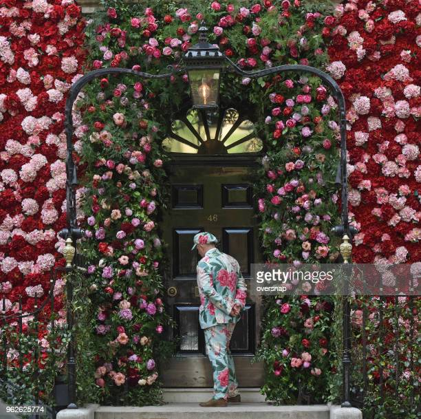 maytime in mayfair - chelsea flower show stock pictures, royalty-free photos & images