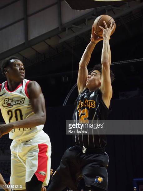 D J McCall of the Fort Wayne Mad Ants handles the ball against Scottie Lindsey of the Erie Bayhawks on December 13 2019 at Memorial Coliseum in Fort...