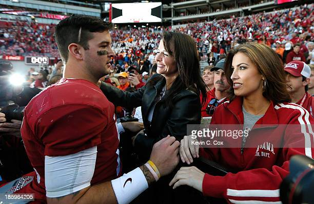 McCarron of the Alabama Crimson Tide celebrates their 4510 win over the Tennessee Volunteers with mom Dee Dee Bonner and girlfriend Katherine Webb at...