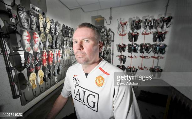 McCLAIR MAN UTD YOUTH ACADEMY DIRECTOR IN THE BOOT ROOM AT CARRINGTON 2/5/2008