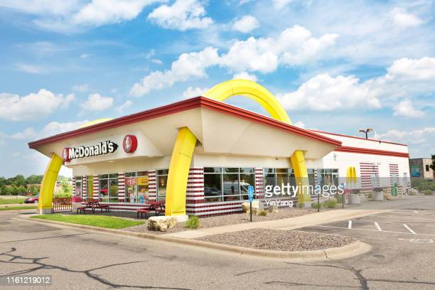 mcdonald's 1950's fast food vintage store front - mcdonald's stock pictures, royalty-free photos & images