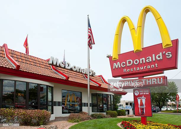 mcdonald's fast food restaurant - mcdonald's stock pictures, royalty-free photos & images