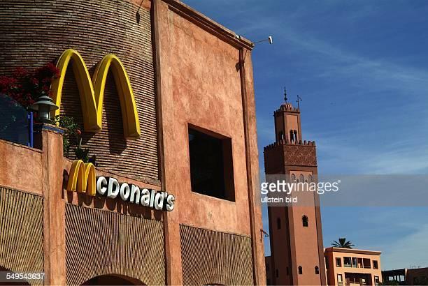 McDonalds Filiale auf dem Place du 16 Novembre in Marrakesch Marokko März 2007 Marrakesch Marokko