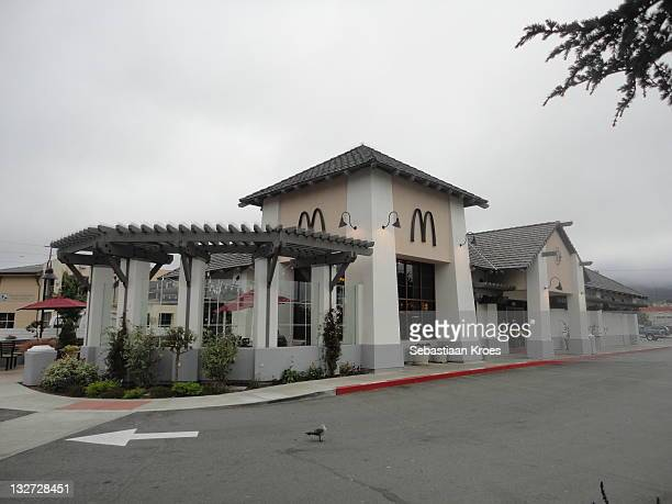 McDonald's Monterey 610 Del Monte Avenue, CaliforniaThis fancy looking McDonald´s is located in Monterey and has got a Drive Thru.Store