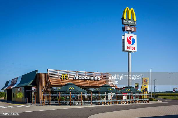 mcdonald's restaurant on the highway s3, poland - pole stock pictures, royalty-free photos & images