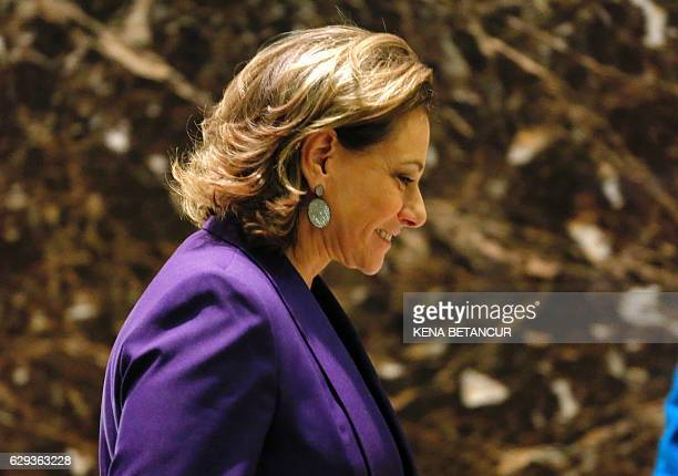 KT McFarland walks by the elevator at Trump Tower on December 12 2016 in New York / AFP / KENA BETANCUR