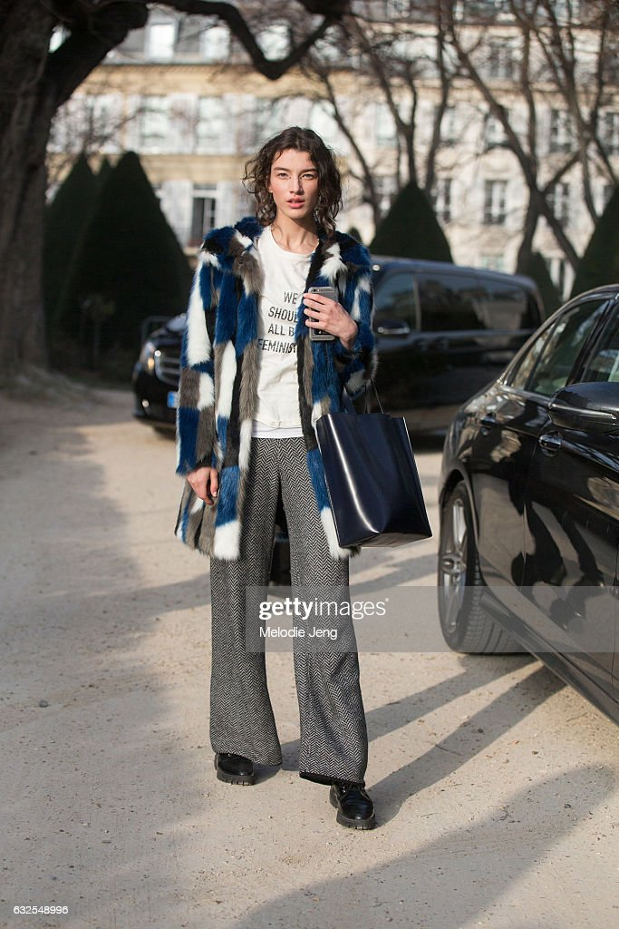 Street Style : Day Two - Paris Fashion Week- Haute Couture Spring Summer 2017 : News Photo