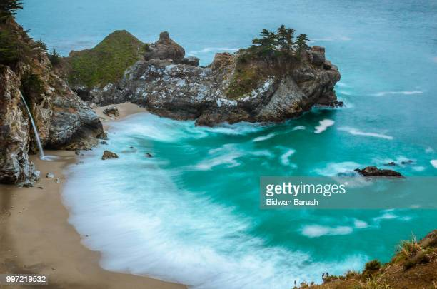 mcway falls in big sur - mcway falls stock pictures, royalty-free photos & images