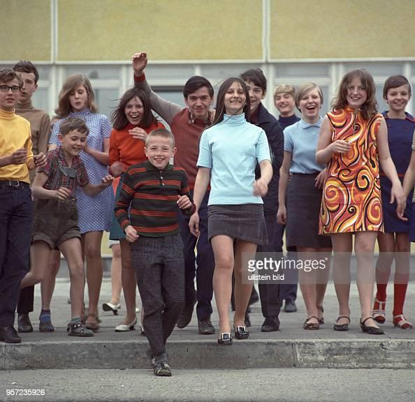 Mädchen und Jungen der Egon-Schulz-Oberschule in Berlin