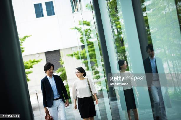 mdoern business team - lypsekyo16 stock pictures, royalty-free photos & images