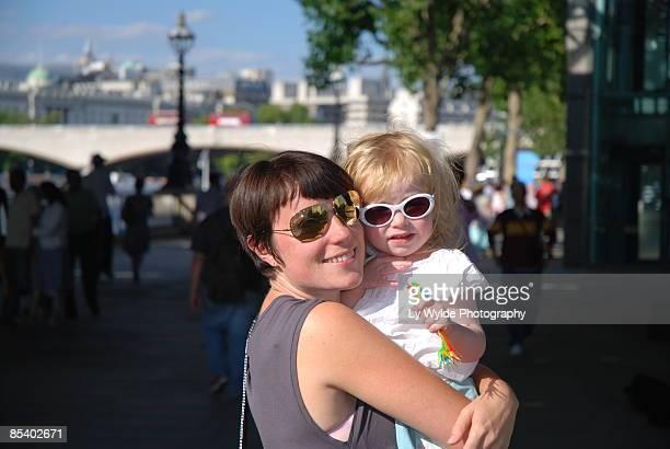 me and my girl on the southbank - ロンドン サウスバンク ストックフォトと画像