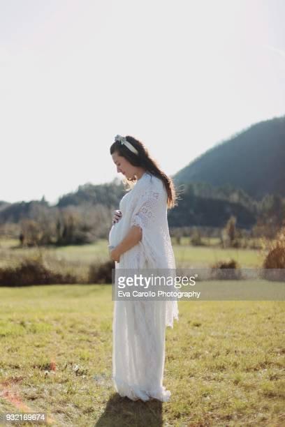 me and my new life - pancione donna incinta foto e immagini stock
