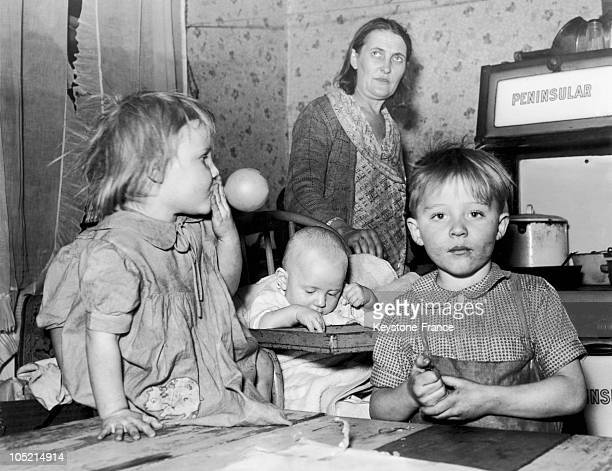 Meal In A Poor Family From Cleveland , Usa On December 1, 1939 During The Econmic Crisis Of The 30'S. Economic And Social Measures Of The New Deal...