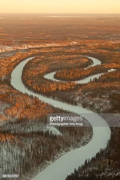 meander spiral river - oxbow chipewyan, alberta - tundra stock-fotos und bilder