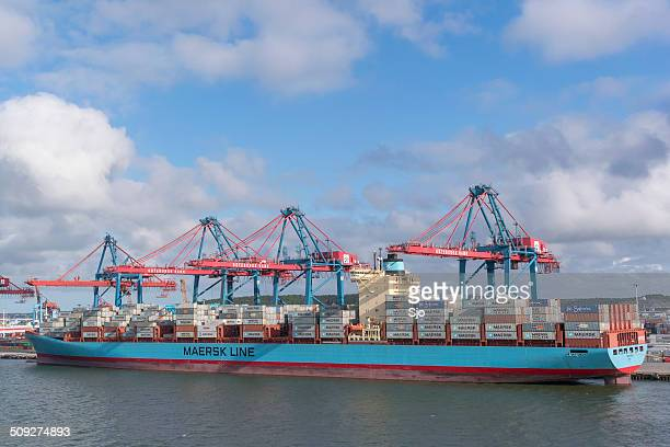 mearsk container ship - maersk stock pictures, royalty-free photos & images