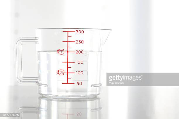 measuring cup - measuring cup stock pictures, royalty-free photos & images