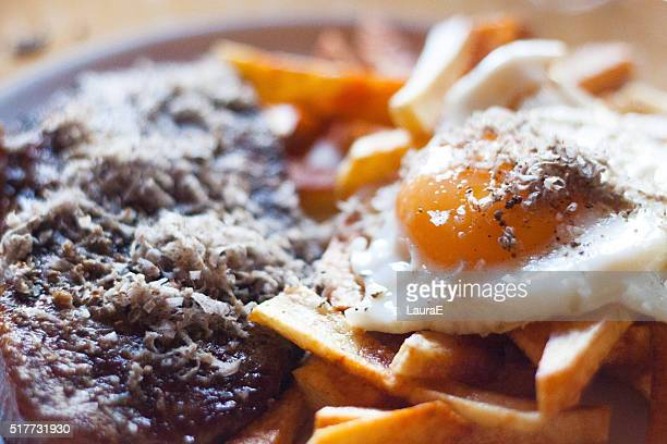 meat, chips and fried egg - castellon province stock pictures, royalty-free photos & images