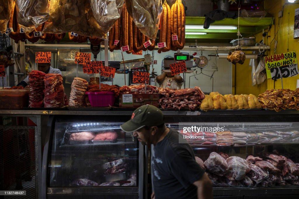 MEX: Shoppers At The Central de Abastos Market Ahead Of Retail Sales