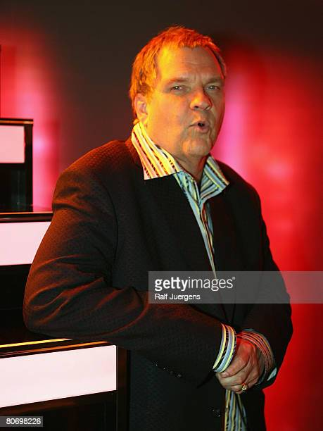 Meat Loaf poses after the singing contest 'MusicalShowstar 2008' on April 16 2008 at the Coloneum in Cologne Germany