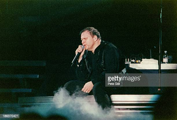 Meatloaf performs on stage at the National Exhibition Centre, on March 25th, 1999 in Birmingham, England.