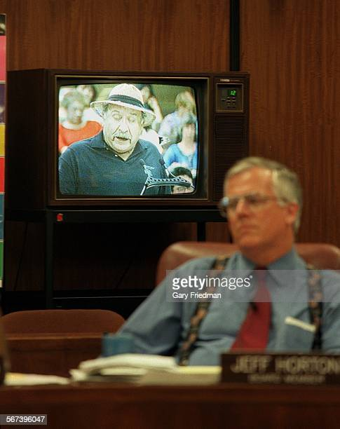 MEBiling22720721GF––THE LA UNIFIED BOARD OF EDUCATION MET ON TUESDAY 7/21/98 TO DISCUSS PLANS TO DISMANTLING BILINGUAL EDUCATION AT LAUSD'S 661...