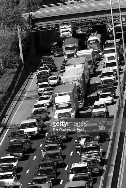 Bridge - DATE: 4/15/98 - PHOTOGRAPHER: James M. Thresher-TWP - Wilson Bridge BRIEF DESCRIPTION: Bridge opening and related traffic Woodrow Wilson...