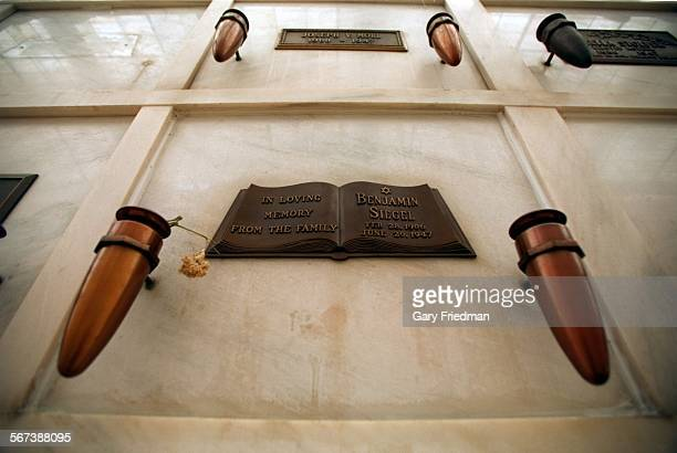 MEBugsy10618GF Tomb of Benjamin Bugsy Siegel at Beth Olam Cemetary––LAT/^^^