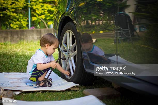 Mechanic baby, change a wheel