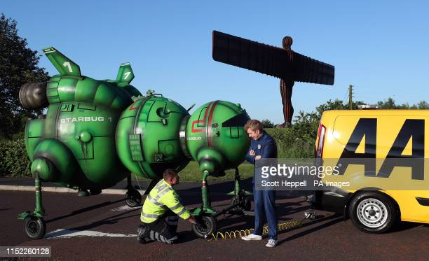 AA mechanic George Flinton helped out Red Dwarf fan Alex Dowling after he broke down near the Angel of the North while driving to Glasgow Comic Con...
