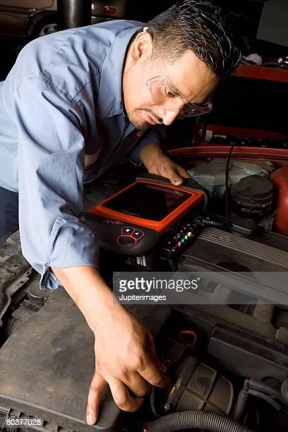 Mechanic testing engine