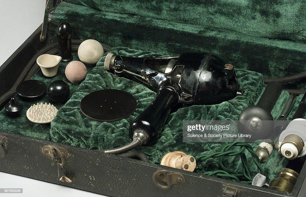 Shelton vibrator, Chicago, USA, 1910-1930. : News Photo